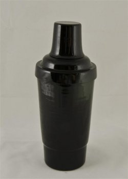 Cocktail Shaker, Black.16oz. With top, strainer, and cap.